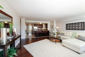 08_1150NLakeShoreDr_Unit21GH_91001_KitchenLiving_LowRes